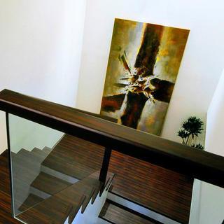 现代风格别墅装修楼梯间图片