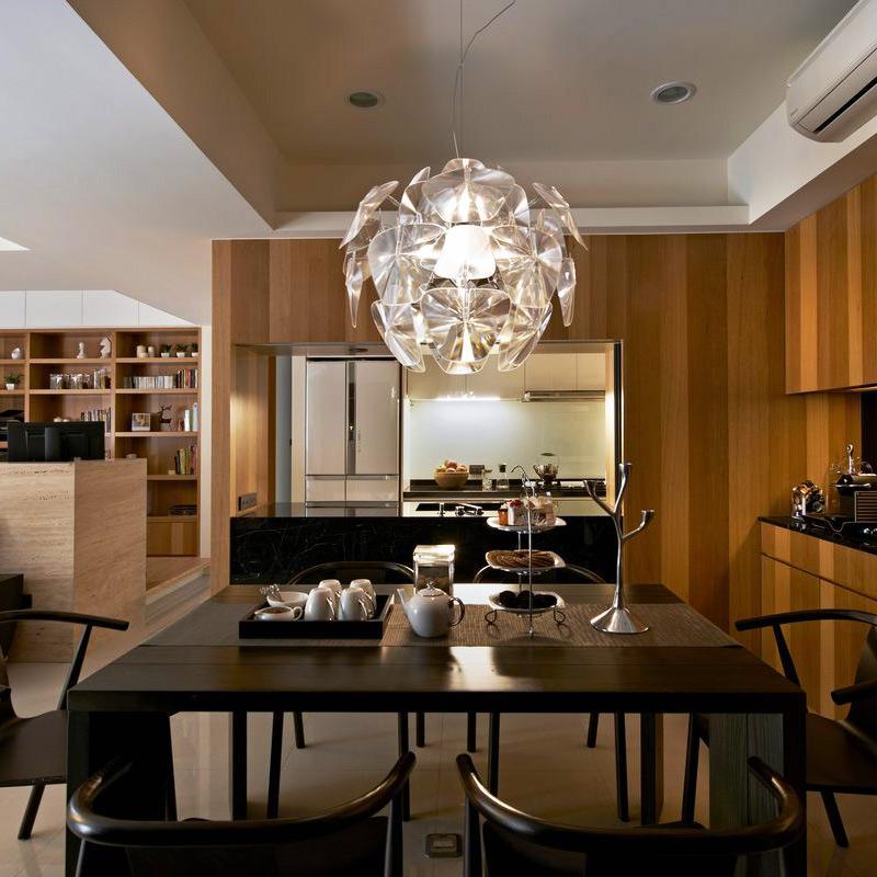 100平现代风格两居餐桌图片