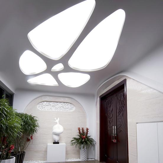 现代风格四房门厅装修效果图