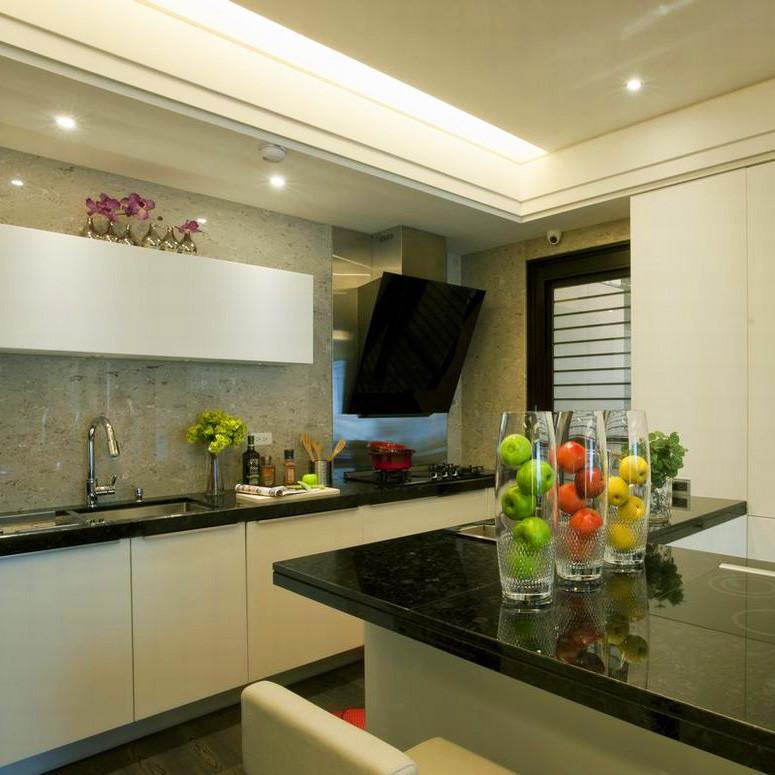 现代风格三居之家厨房设计图