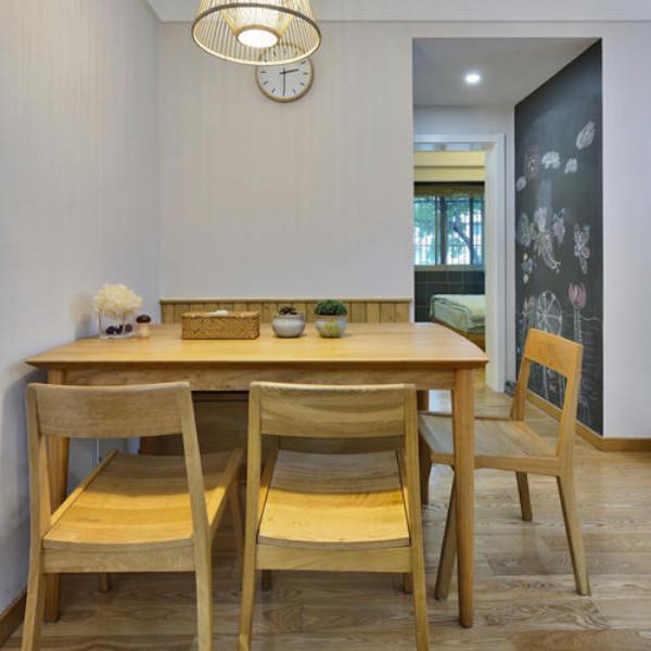 70平三居室装修餐桌图片
