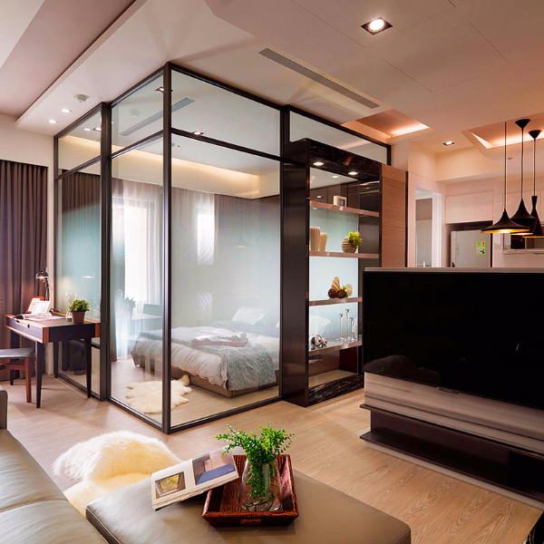 小户型一居室装修玻璃门隔断设计