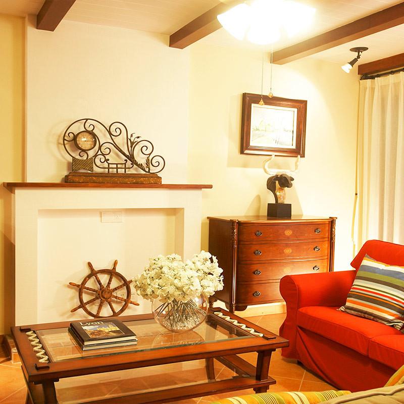 美式乡村别墅装修起居室布置图