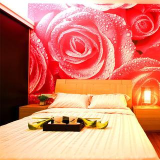 现代简约两居装修床头背景墙图片