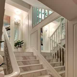 新古典别墅装修楼梯设计