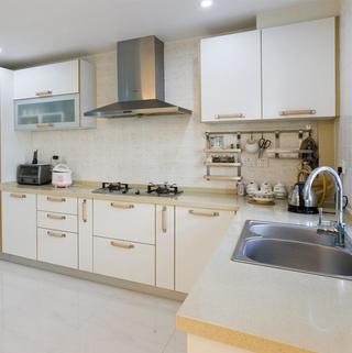现代简约复式装修厨房构造图
