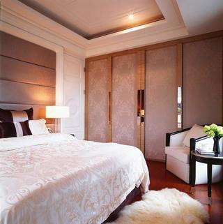 100平三居室装修衣柜设计