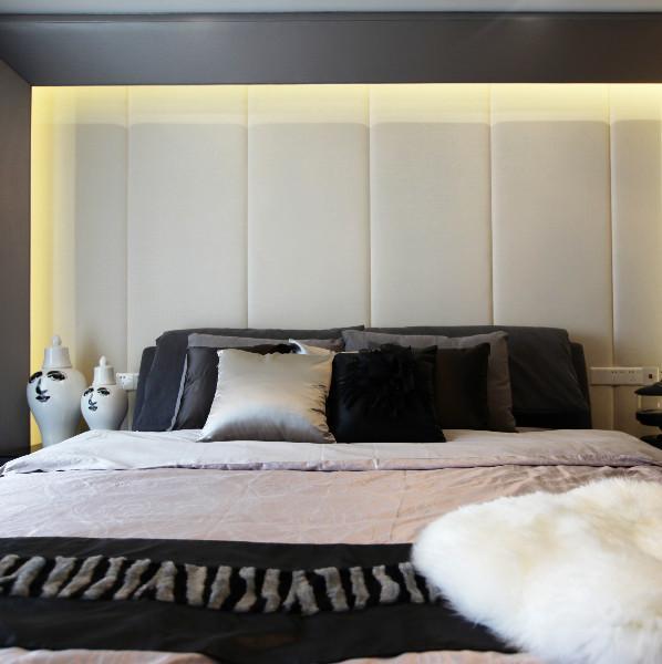 现代简约黑白灰装修床头软包设计
