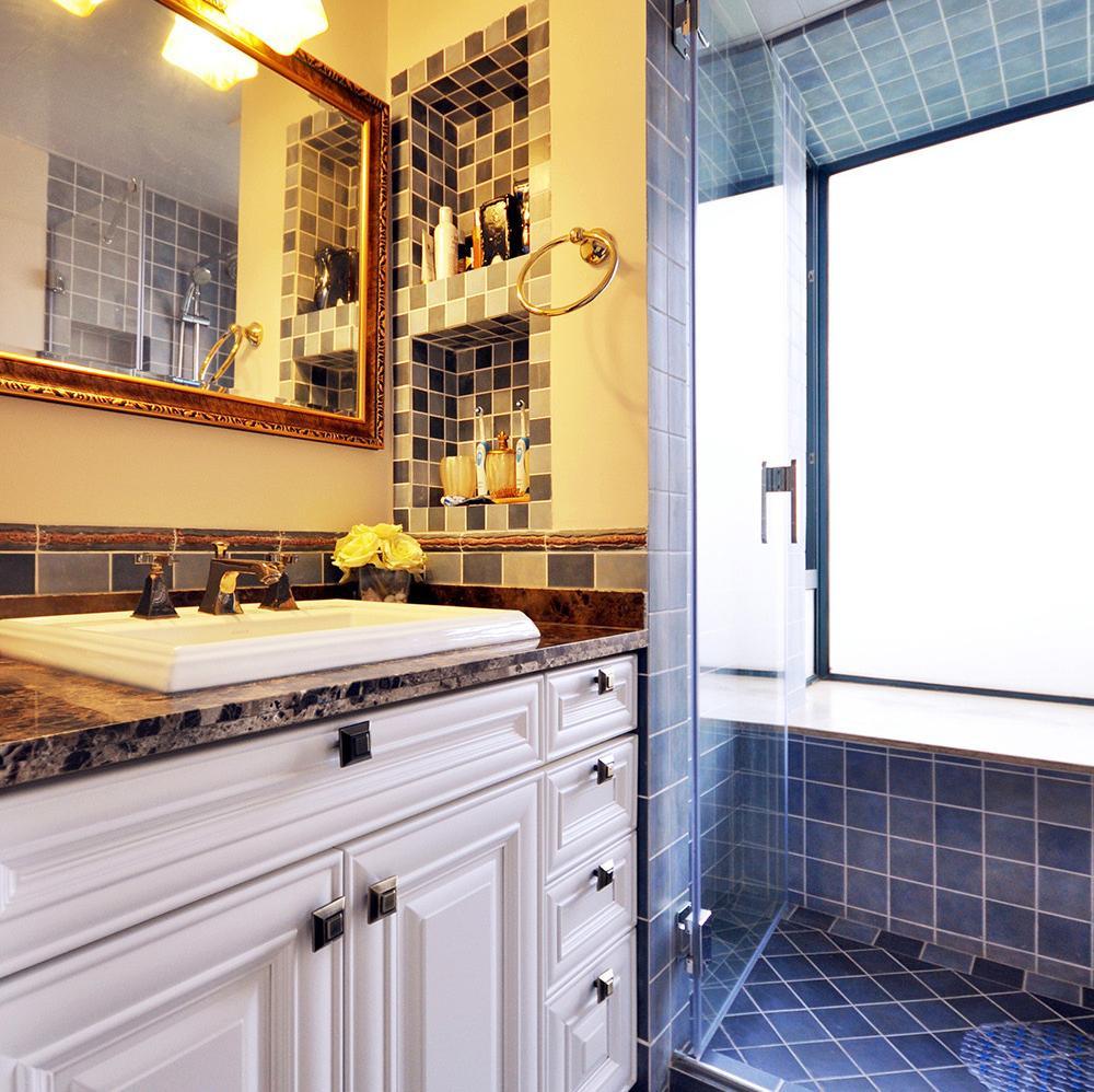 美式两居室装修卫生间装潢图