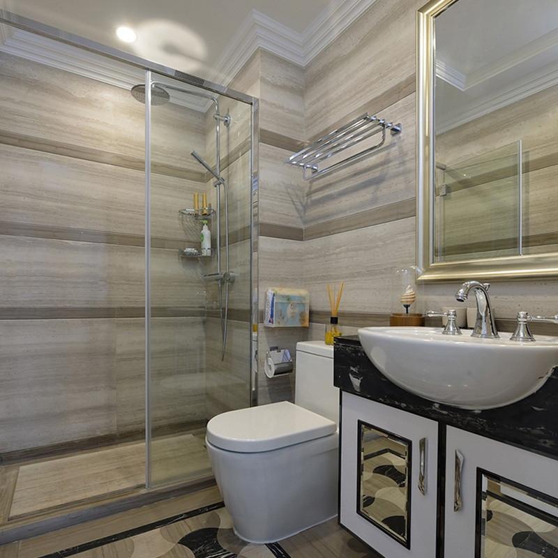 105平美式风格两居装修卫生间装潢图