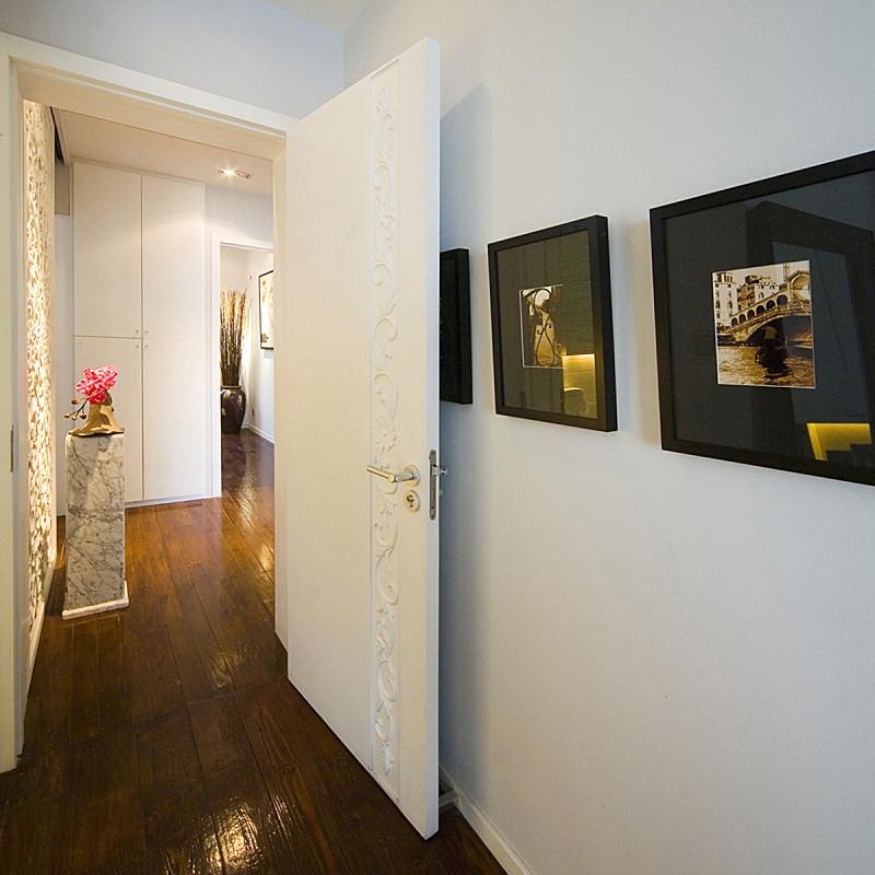 三居室现代中式家过道图片