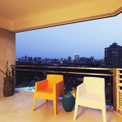 两居室简约风格家阳台实景图