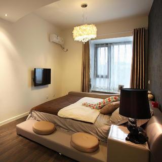 70平两居室装修卧室设计图