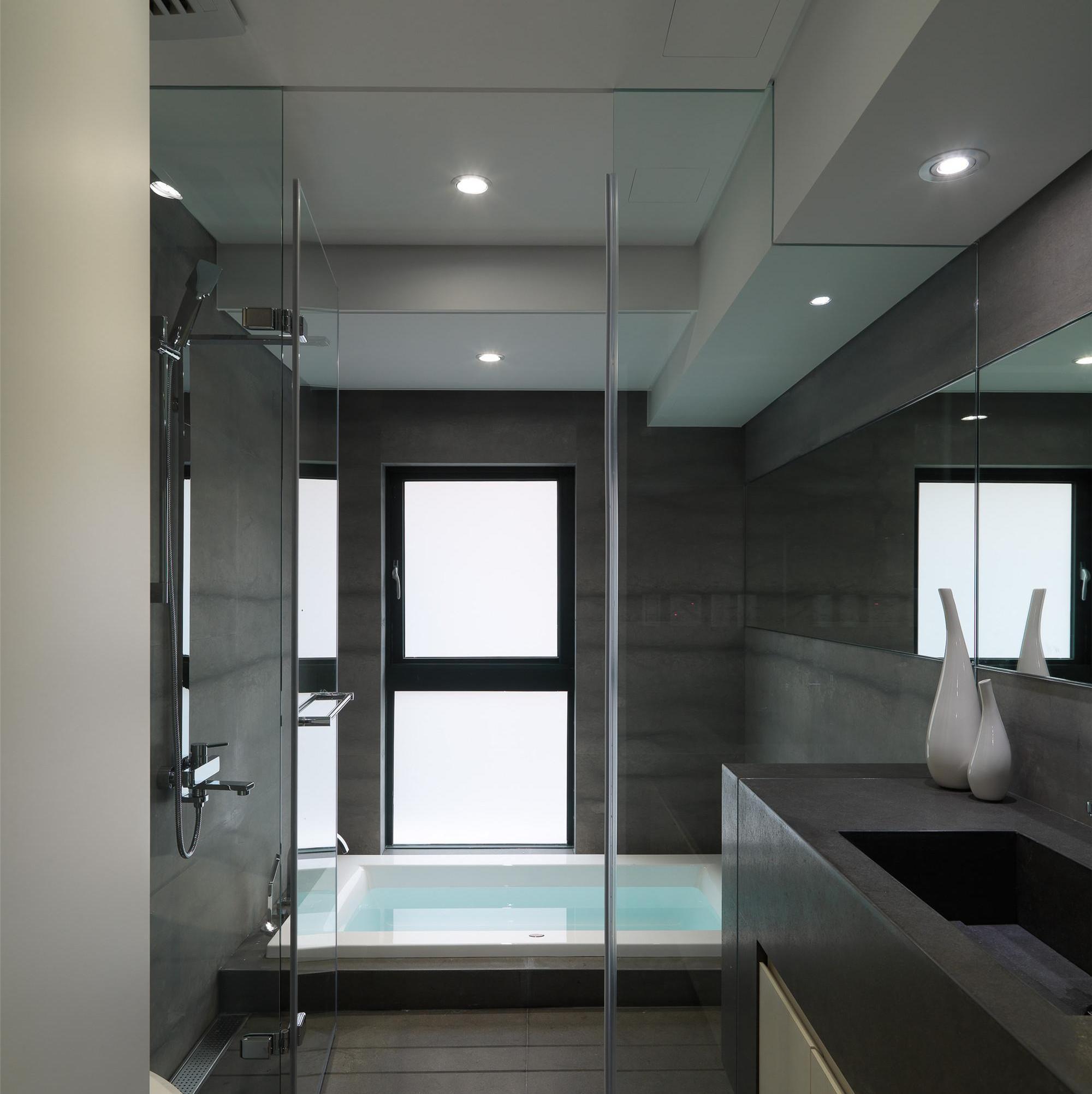 小户型简约两居室装修卫生间效果图