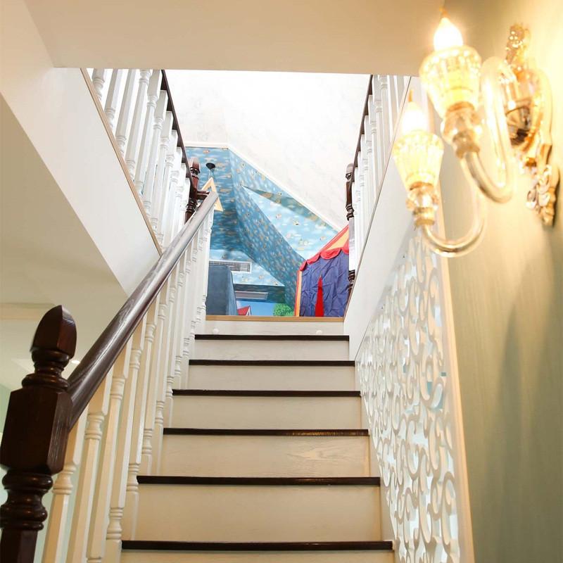 230平简美风格别墅装修楼梯走道
