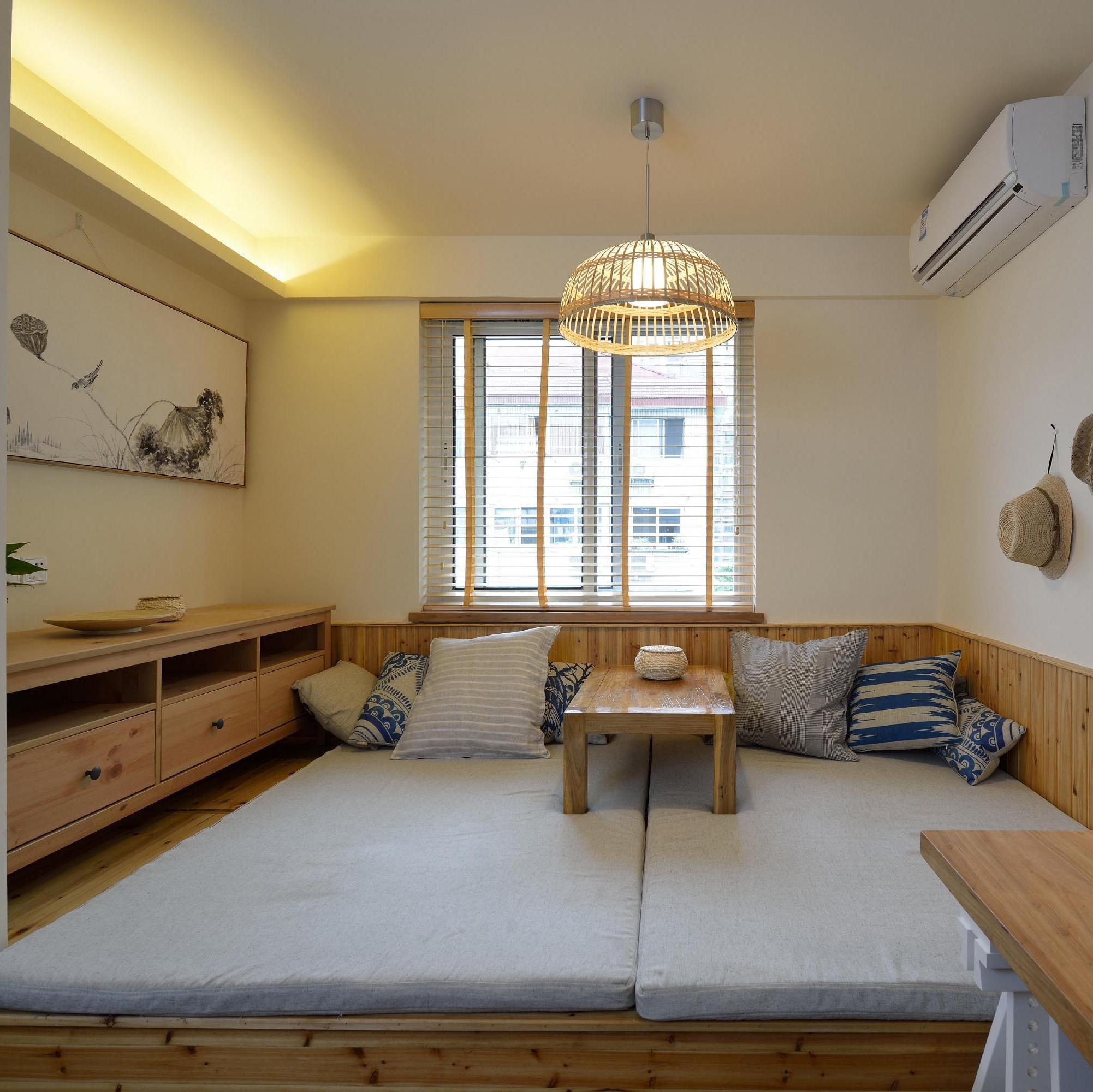 两居室日式风格家榻榻米床设计