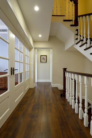 美式风格别墅设计楼梯过道