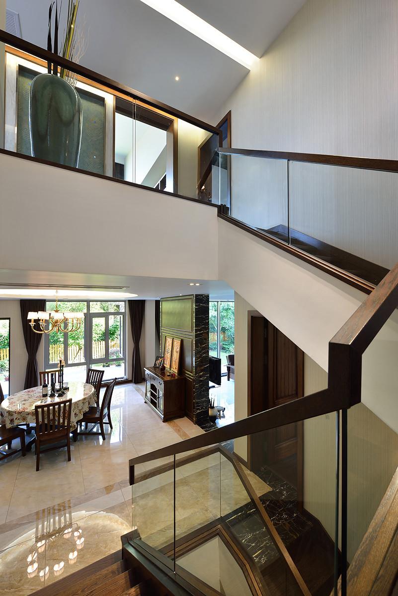 现代中式别墅装修楼梯间设计