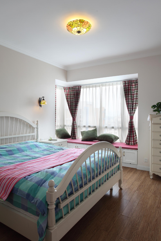 小户型公寓装修卧室搭配图