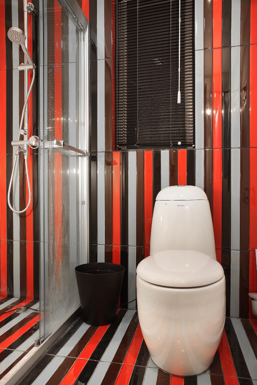 70平两居室装修卫生间装潢图
