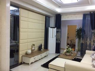 110㎡现代三居室装修电视背景墙图片