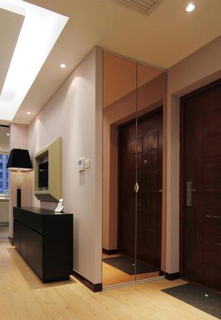 134平简约风格家玄关柜设计