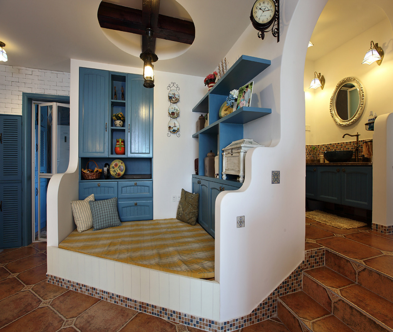 120平地中海三居装修地台设计