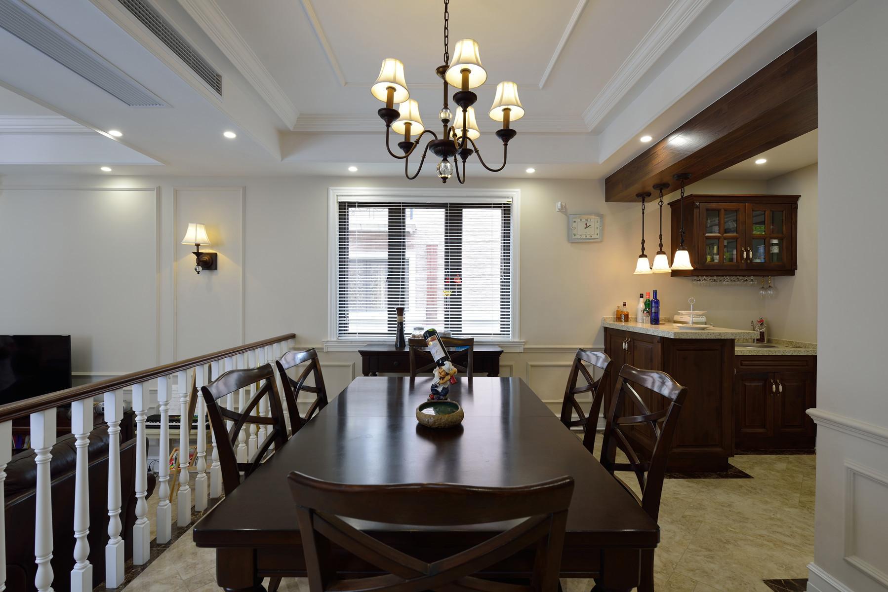 美式风格别墅设计餐桌椅图片