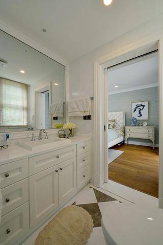 美式混搭别墅装修浴室柜图片