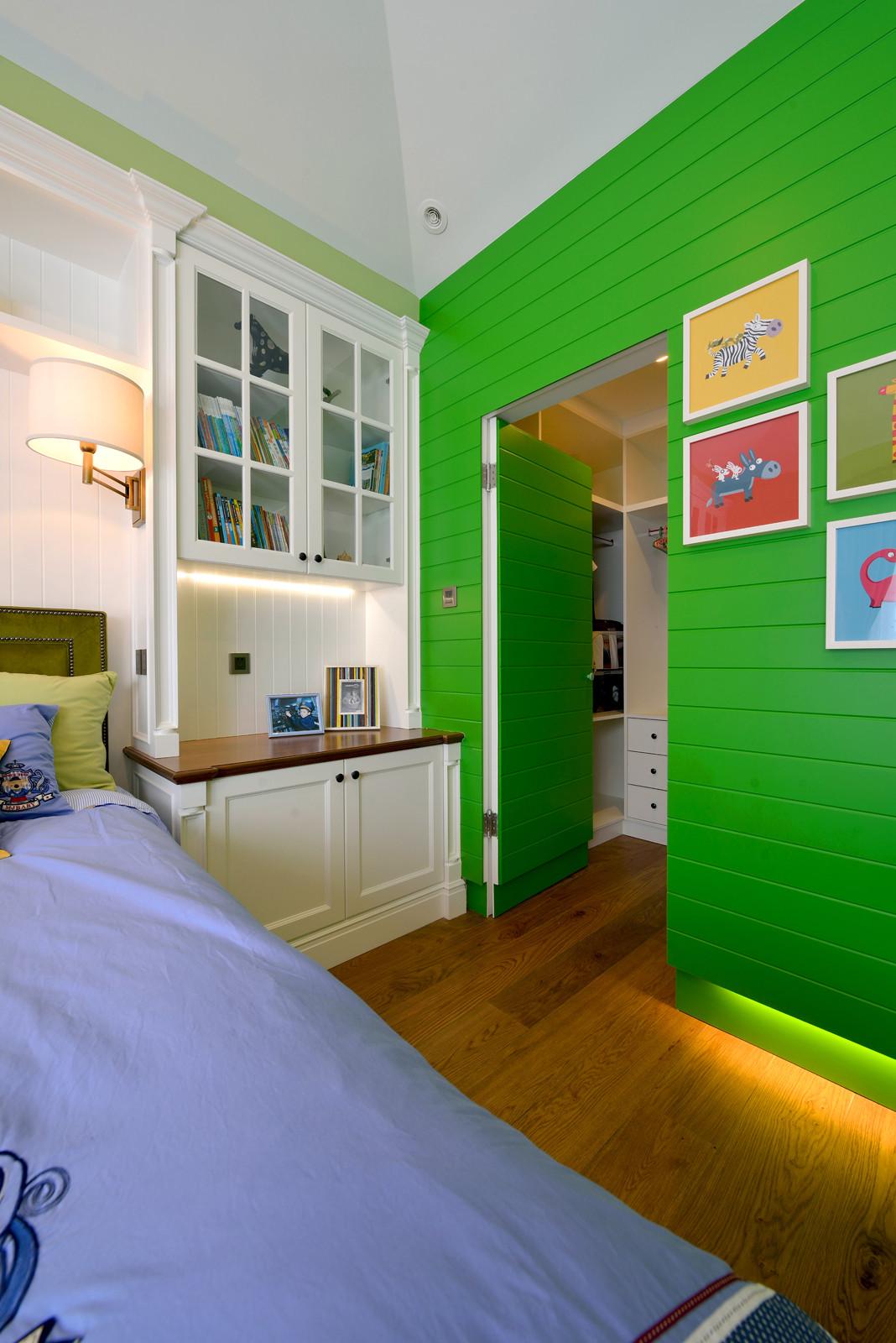 美式混搭别墅装修隐形门设计