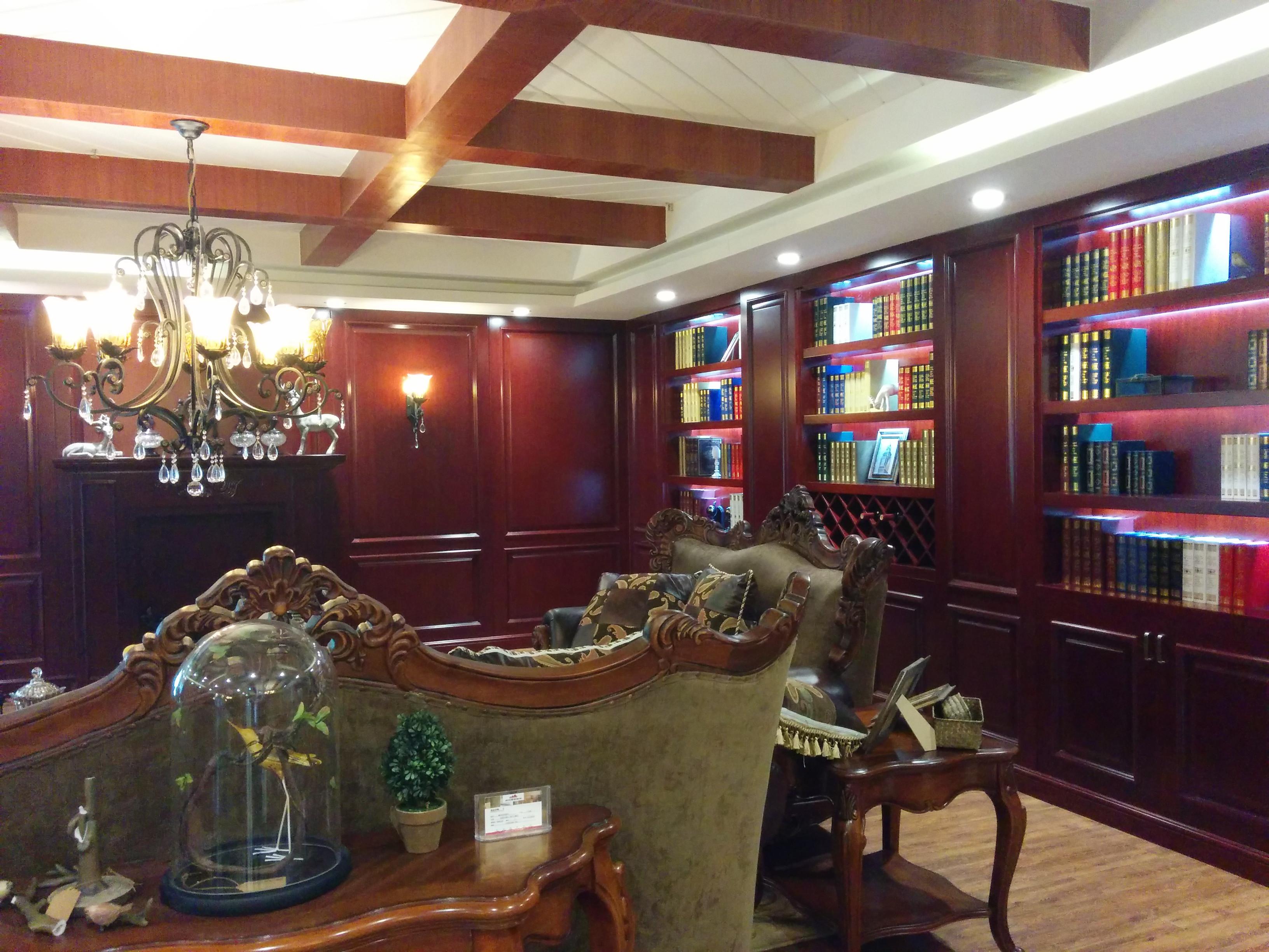 古典美式风格别墅装修客厅装潢图