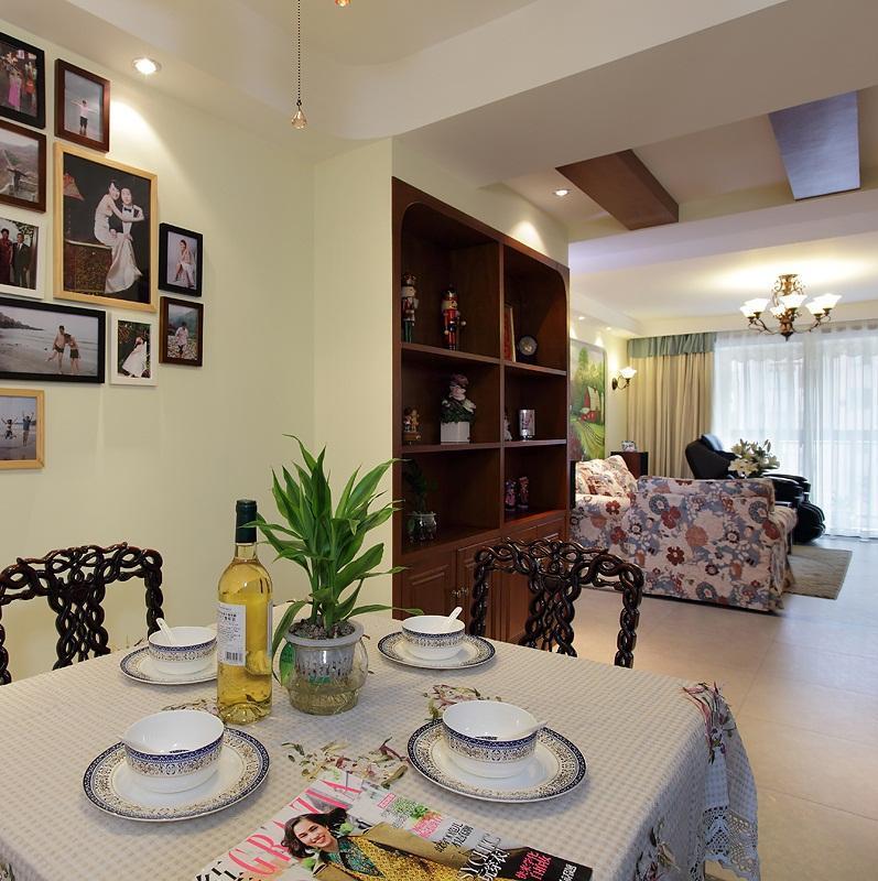 140平地中海三居室装修照片墙布置
