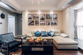 现代简约三居室装修沙发背景墙设计