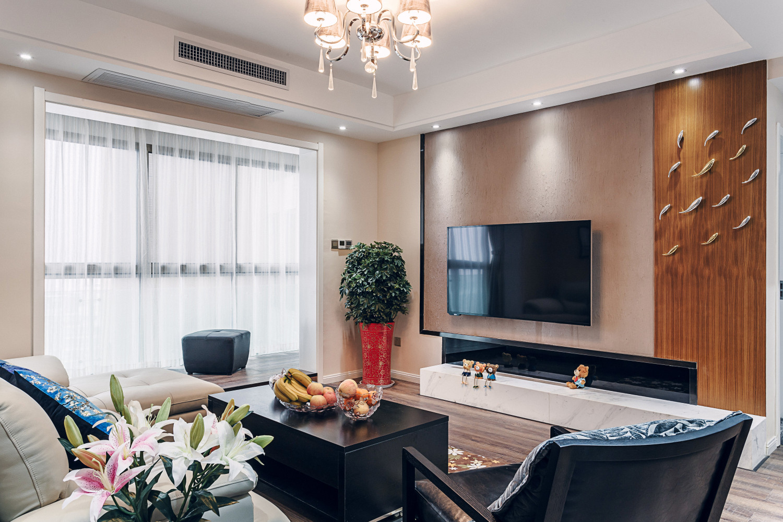 现代简约三居室装修电视背景墙图片