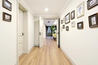 自然温馨美式别墅装修走廊设计