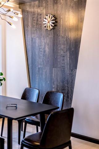 130平现代风装修餐厅背景墙图片