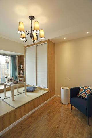80平两居室装修卧室效果图