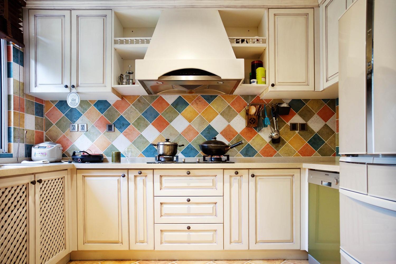 混搭四居室装修厨房搭配图