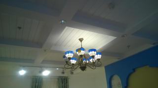 地中海两居室装修客厅吊顶设计