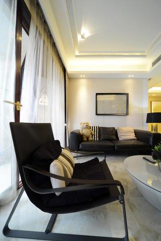 现代简约三居室沙发背景墙图片