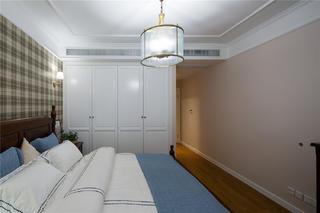 简约美式四居室装修衣柜图片
