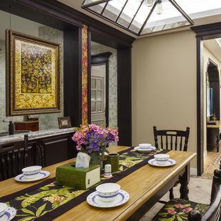 123平美式三居室装修餐桌摆件