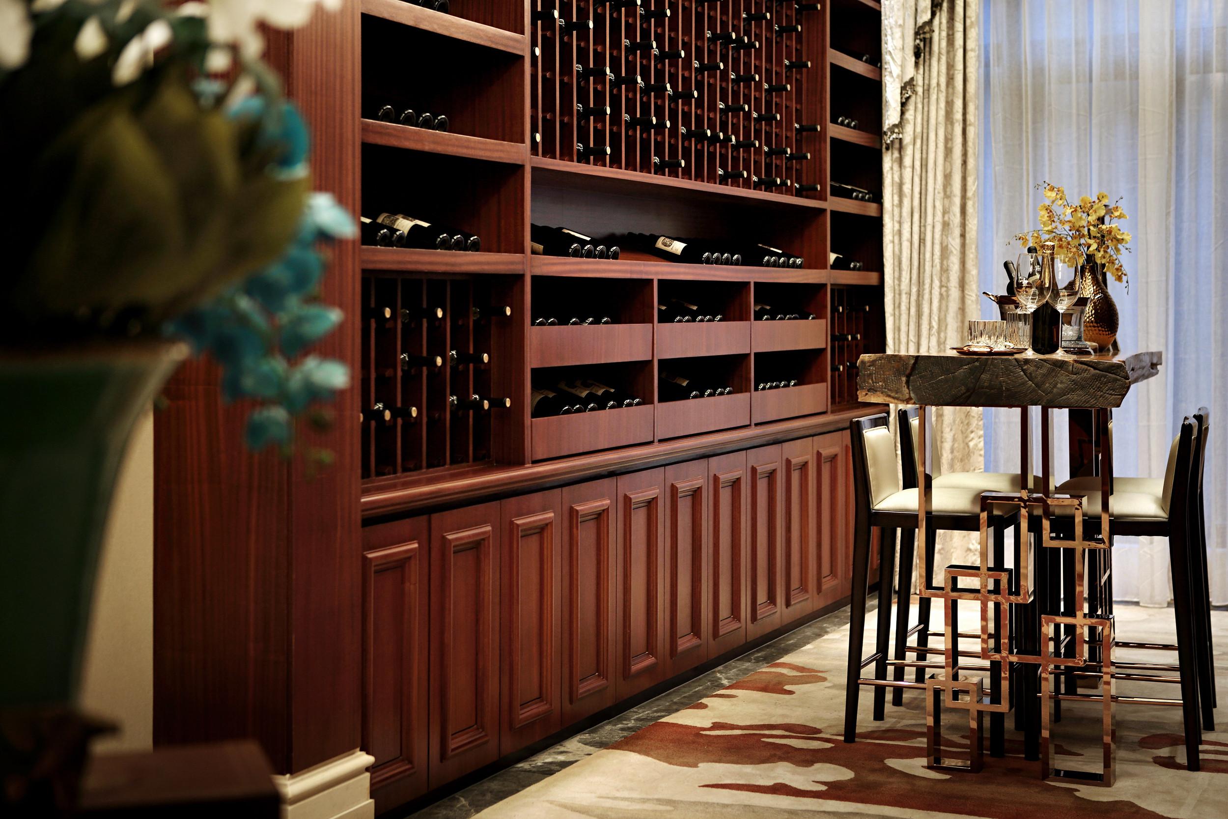 高贵奢华欧式别墅装修酒柜设计