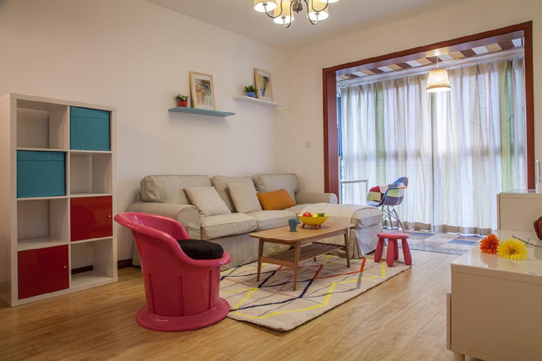 小户型彩色宜家混搭装修客厅搭配图