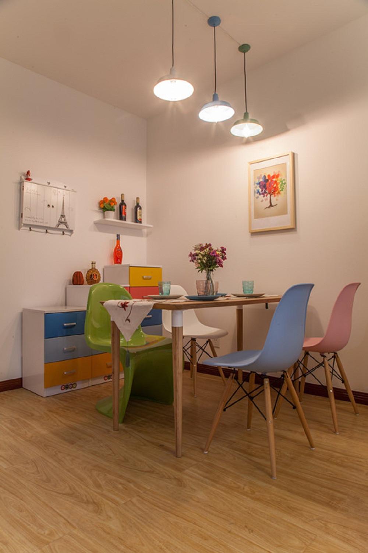 小户型彩色宜家混搭装修餐厅设计图