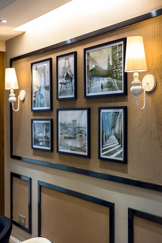 现代简约三居室装修照片墙布置