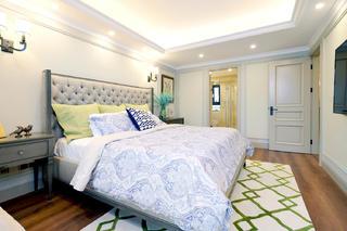 自然温馨美式别墅装修卧室搭配图
