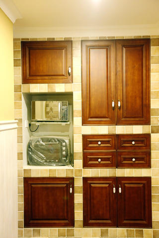 110平美式三居装修橱柜图片