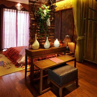 120㎡东南亚风格装修装饰柜摆件