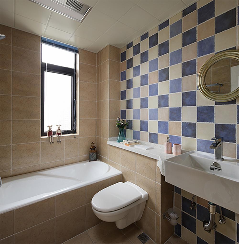 130㎡美式三居室装修卫生间装潢图